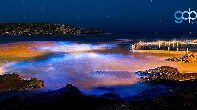 蓝色晚上风景背景