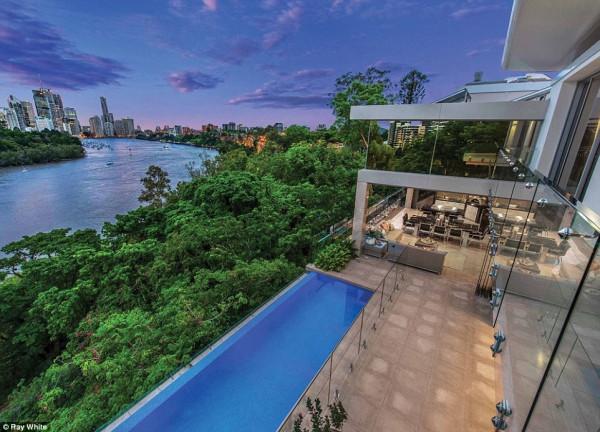 布里斯本最貴豪宅拍出$1848萬 打破澳洲女首富此前$1400萬豪宅記錄!