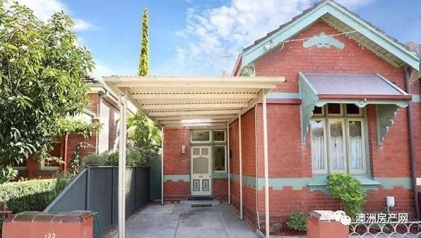 墨尔本70年历史老宅拍卖 吸引众多买家竞标 高出底价$13万售出