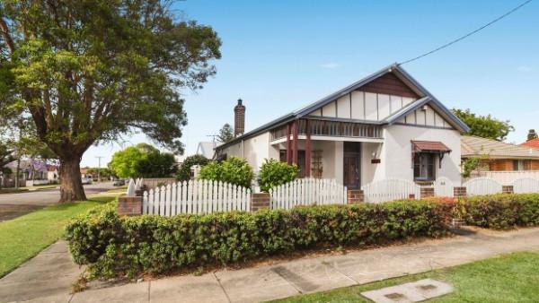 """澳洲房市""""高烧""""不退蔓延至远郊甚至农村 推出短短几天就被抢购一空"""