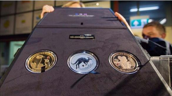 铸币厂公开三枚稀有镶钻硬币 价值180万