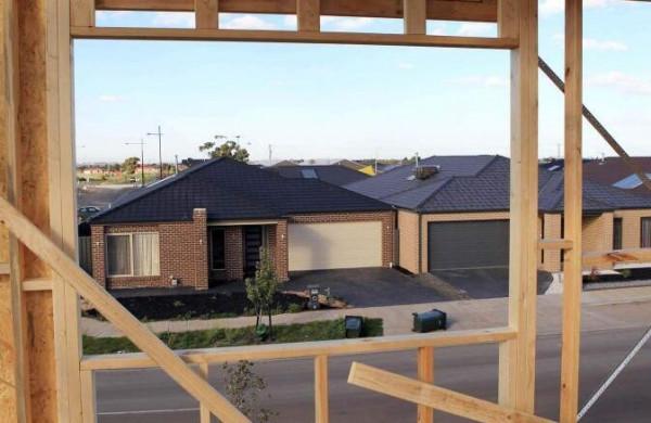 """收入放缓碰上房价猛涨 大量澳人遭受房贷""""折磨"""""""