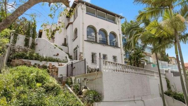 澳河畔豪宅仅售$161万!中介叹息:如果不是这个原因,它将卖$1000万!